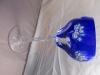 farbiges Weinglas blau, blaues Glas für Wein